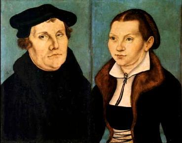 Lutero e sua mulher, Catarina de Bora: questionamento ao celibato católico.