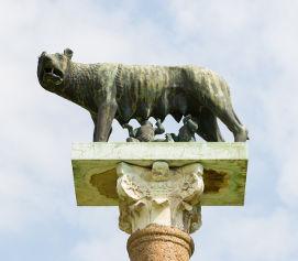 A lenda de Rômulo e Remo compõe o mito de origem de Roma e sua primeira forma de governo