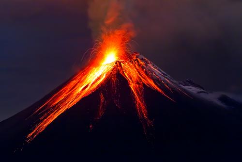 Vulcão Tungurahua, localizado no Equador