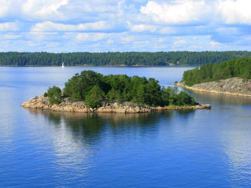As ilhas formadas em lagos resultam do processo de deposição de material durante um período de tempo.