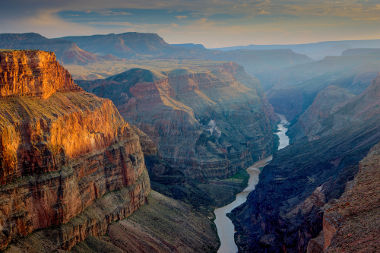 Bela paisagem formada pela Grand Canyon, no estado do Arizona (EUA)