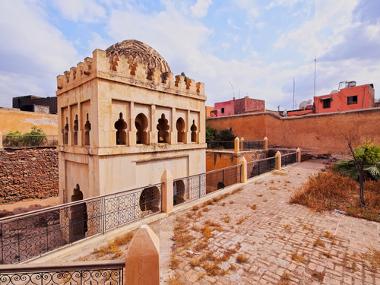 Construção arquitetônica almorávida em Marrakesh, Marrocos, África