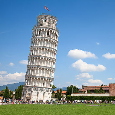 Galileu Galilei abandonava diferentes objetos, ao mesmo tempo, do alto da torre de Pisa para medir o tempo de queda dos corpos