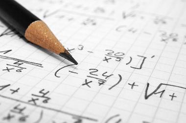 As frações algébricas possuem pelo menos uma incógnita no denominador